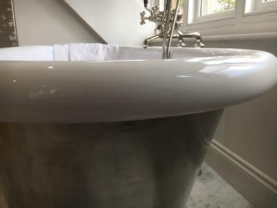 Enamel Bath Chip Repair | After the filling and re-coating the damage is completely gone