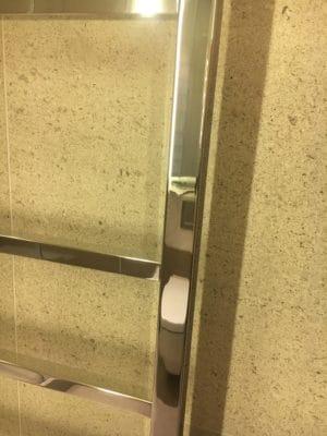 Chrome Metal Polishing | After the chrome polishing, the towel rail looks as good as new.