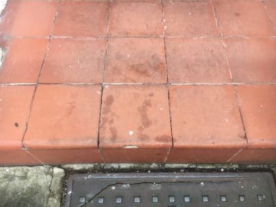 Victorian Clay Tiles Stain Removal | Vegetable oil stains are obvious on the tiles and cannot be removed without special treatment.